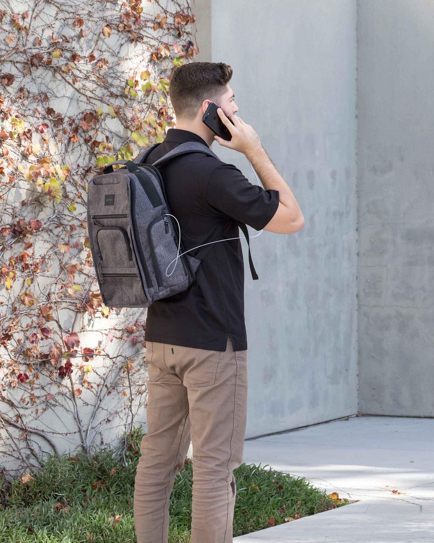 Tylt Traveler Power Bag charging phone