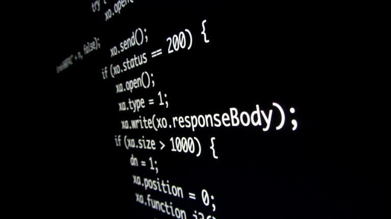 qué lenguaje de programación aprender | falta de especialistas TIC