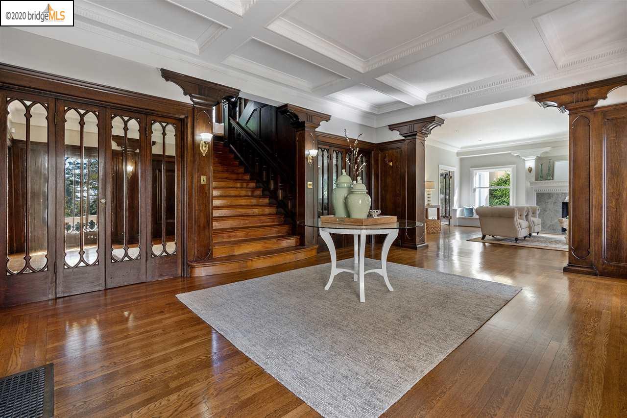 Ghirardelli Mansion foyer
