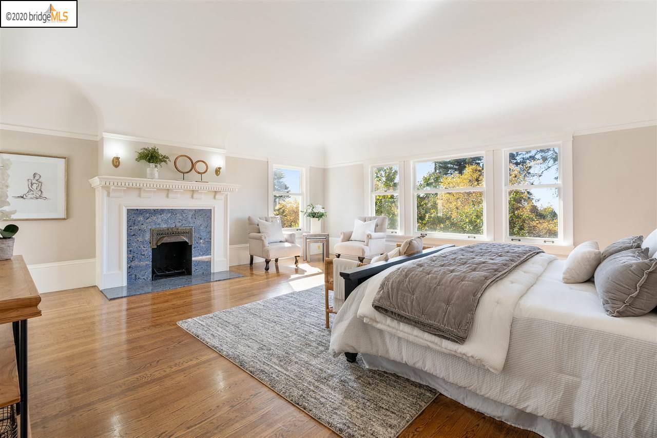 Ghirardelli Mansion bedroom