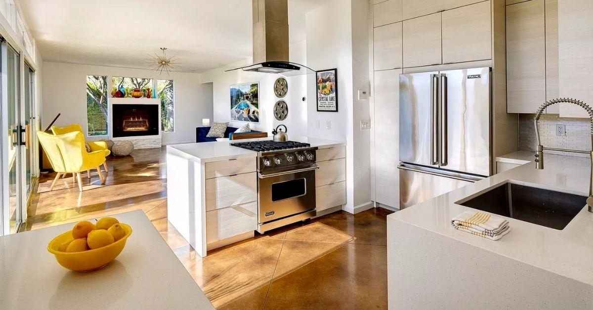 1110 E Via Altamira in Palm Springs, CA kitchen mid century modern