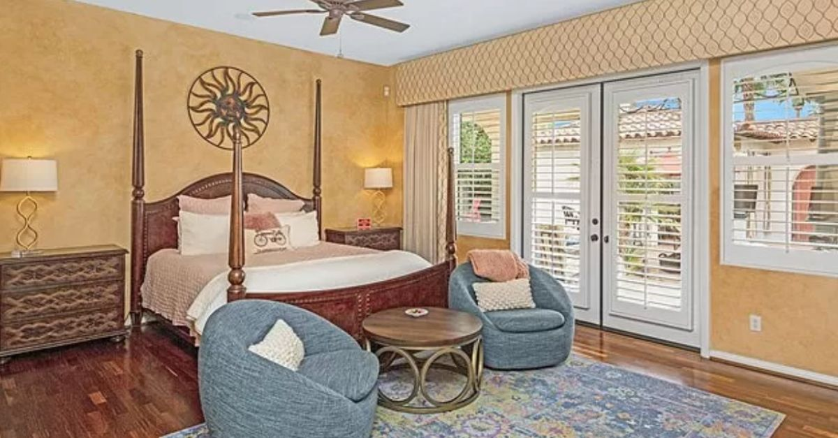 1302 Colony Way, Palm Springs, CA 92262 bedroom