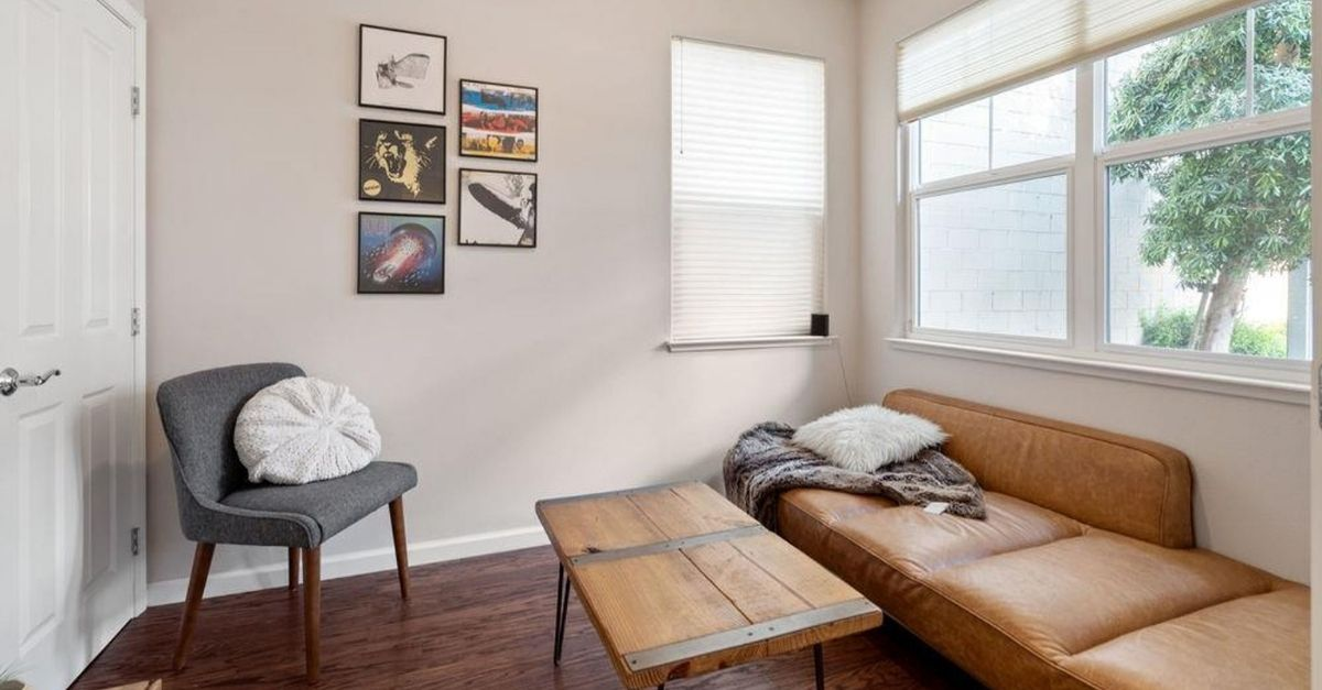 Small room with leather futon