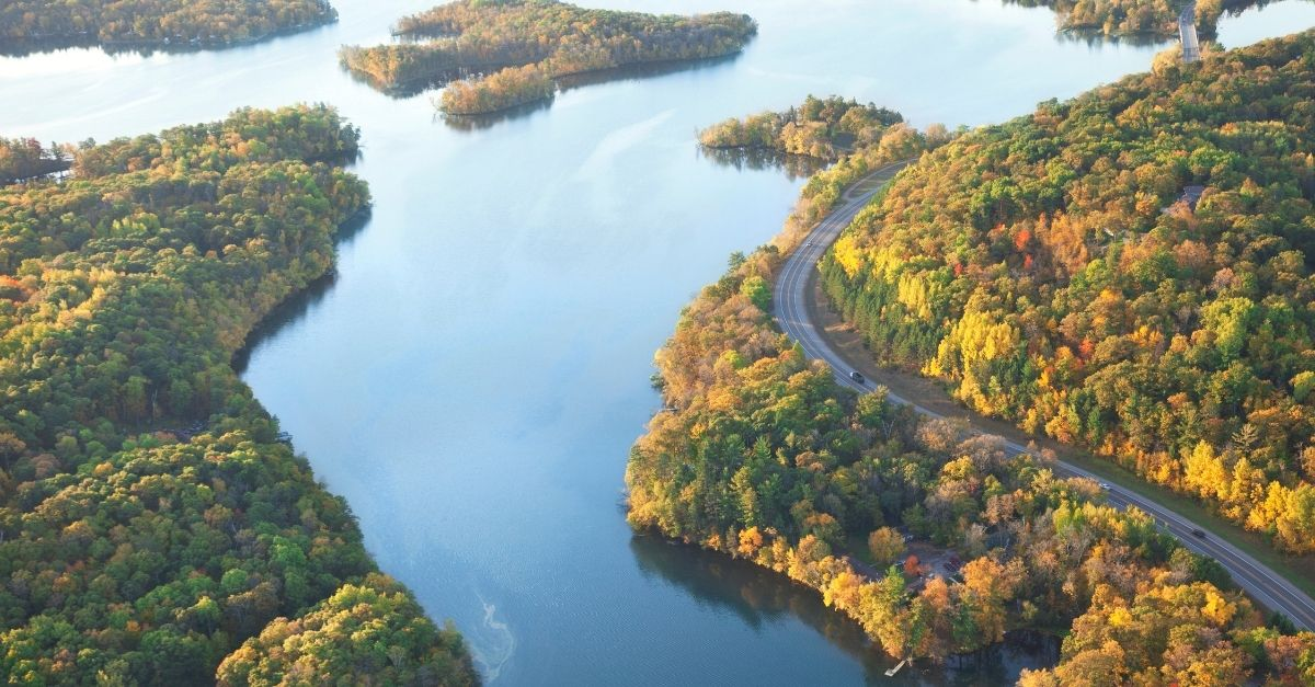 Image of the Mississippi river with sun streaming across