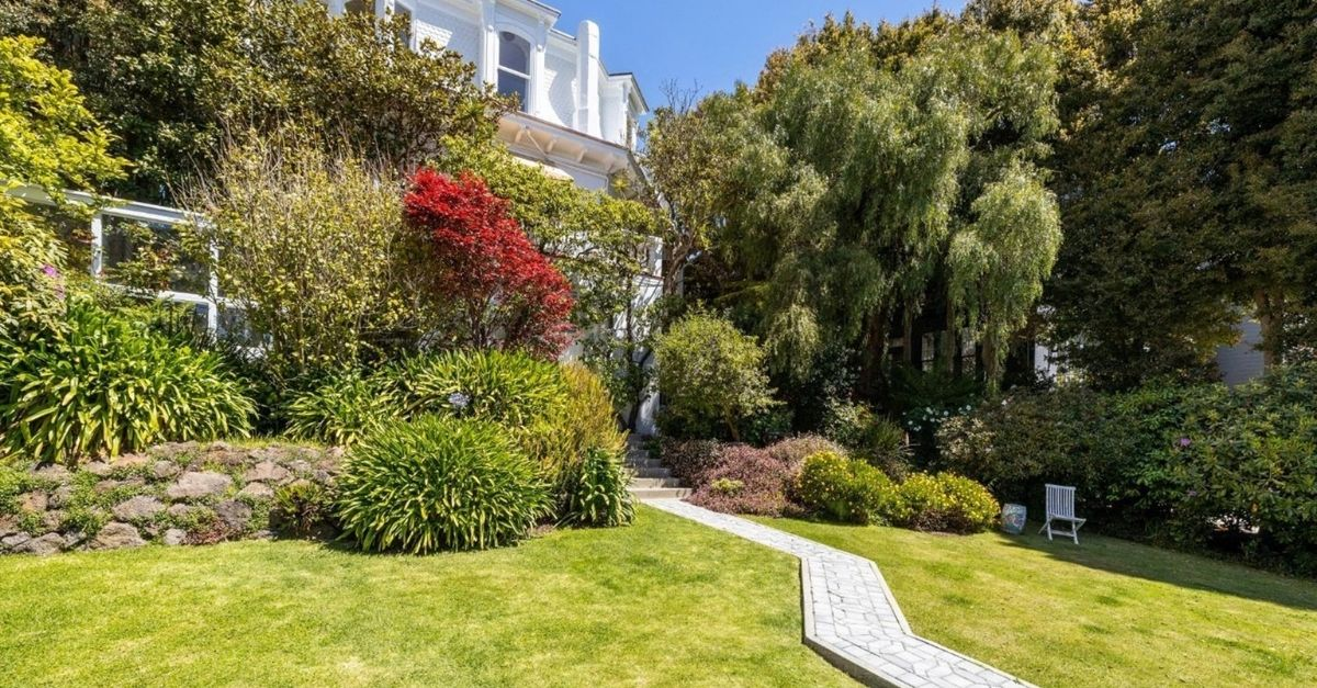 The lush garden of Feusier Octagon House in Russian Hill