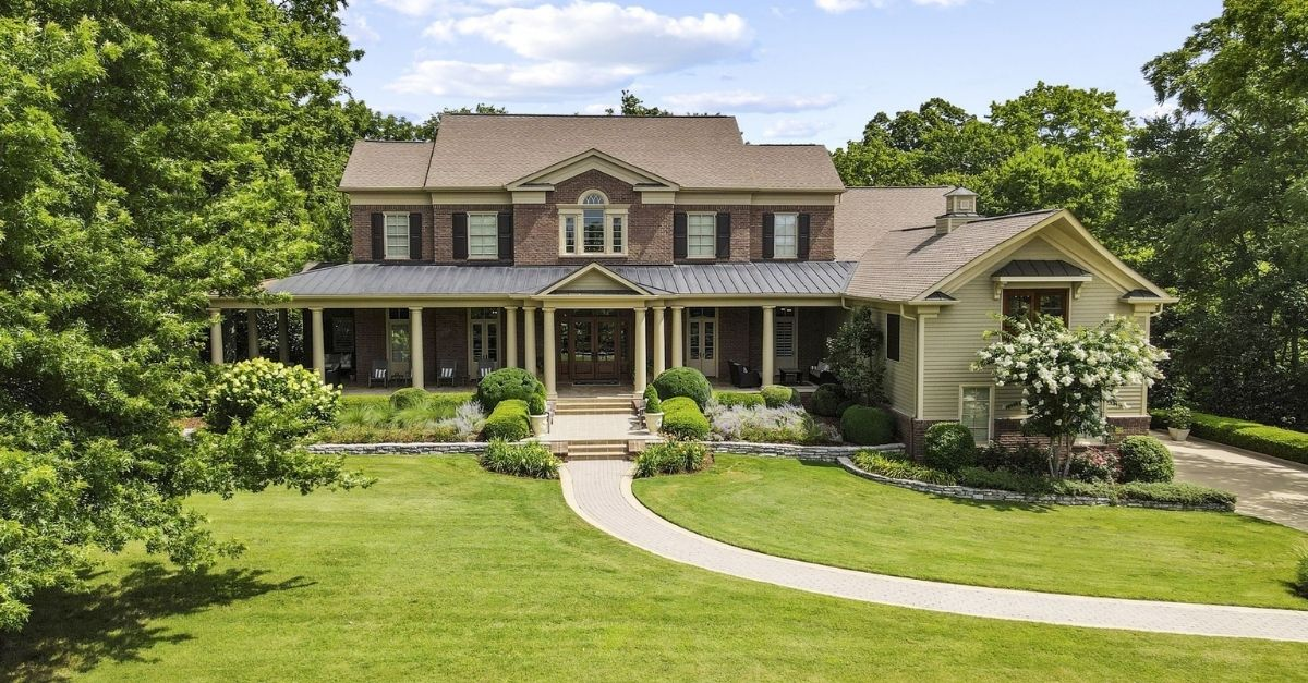 Craftmans style luxury home in Tennessee