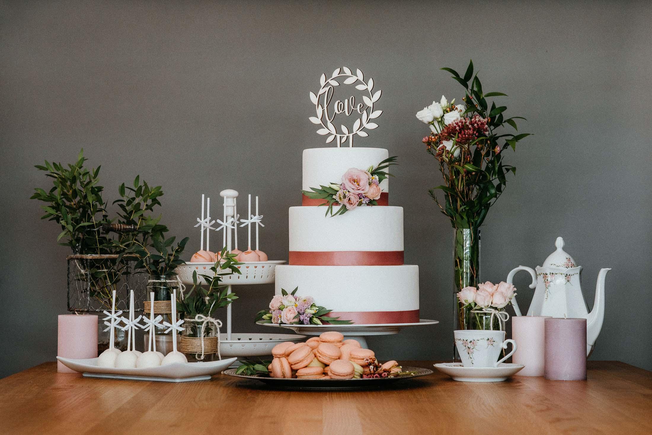 Hochzeitstorten & Co von Bettina Breinesberger