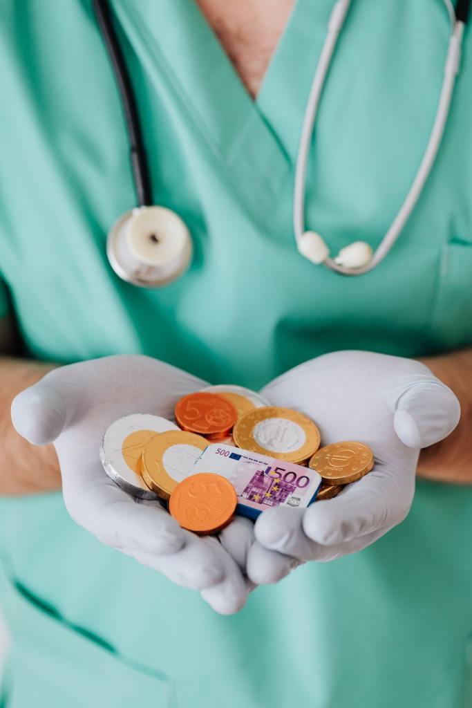 健保費每年都可能會有些許調漲,人資務必注意!