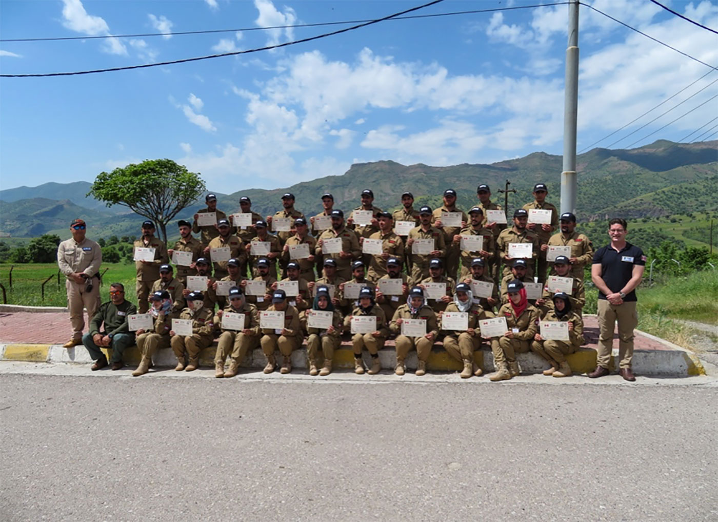 Group picture of FSD deminers