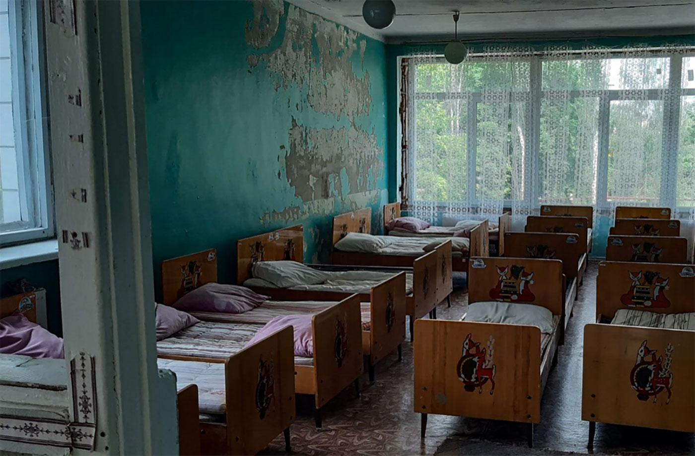 Picture of old furniture in Ukrainian kindergarten