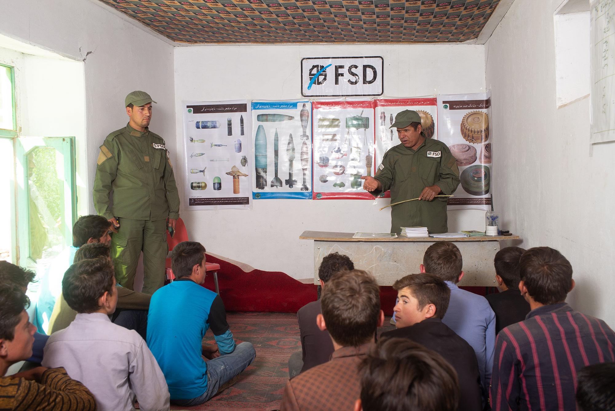 sensibilisation aux dangers des mines en Afghanistan
