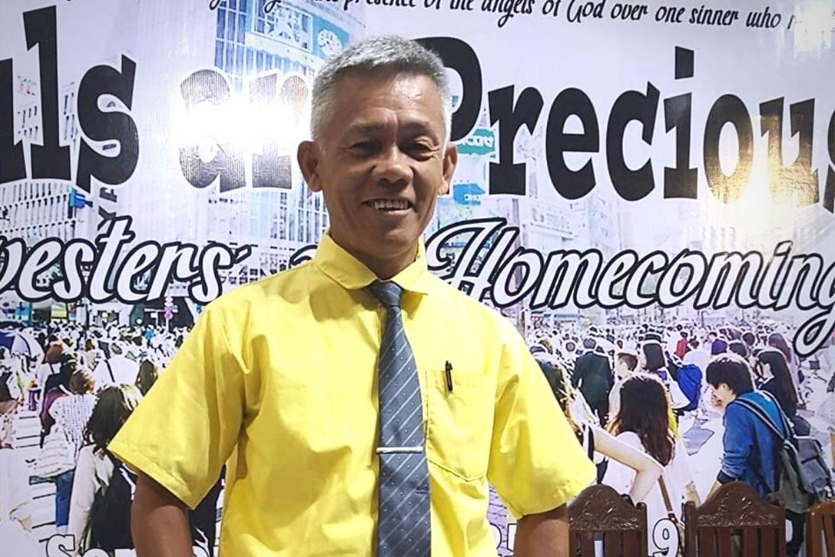 Joselito Remedios pastor in Philippines risk education of explosive gear