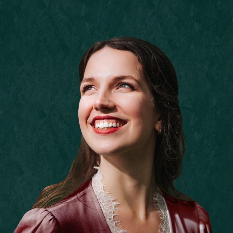 Charissa Shelton
