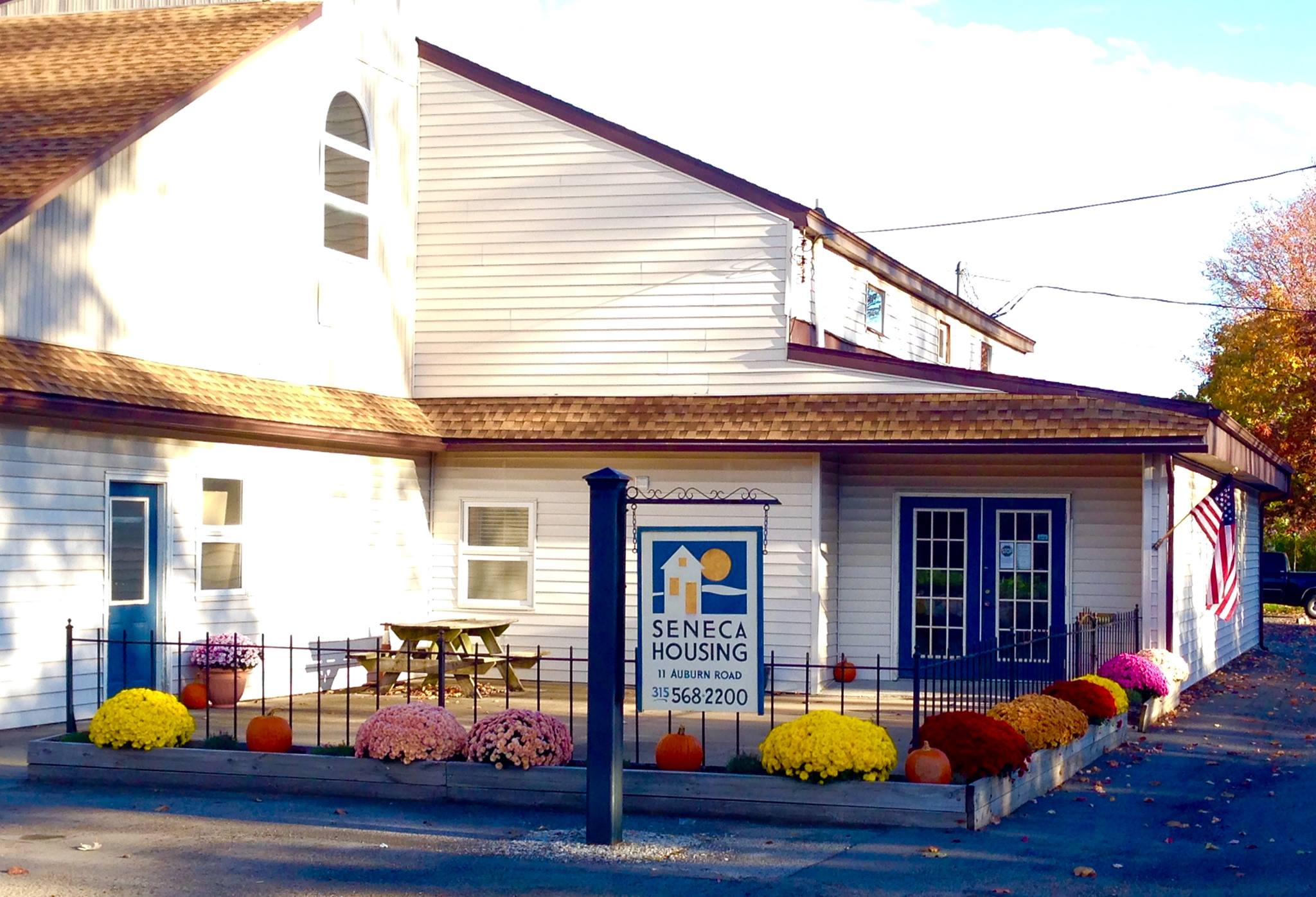 seneca housing office
