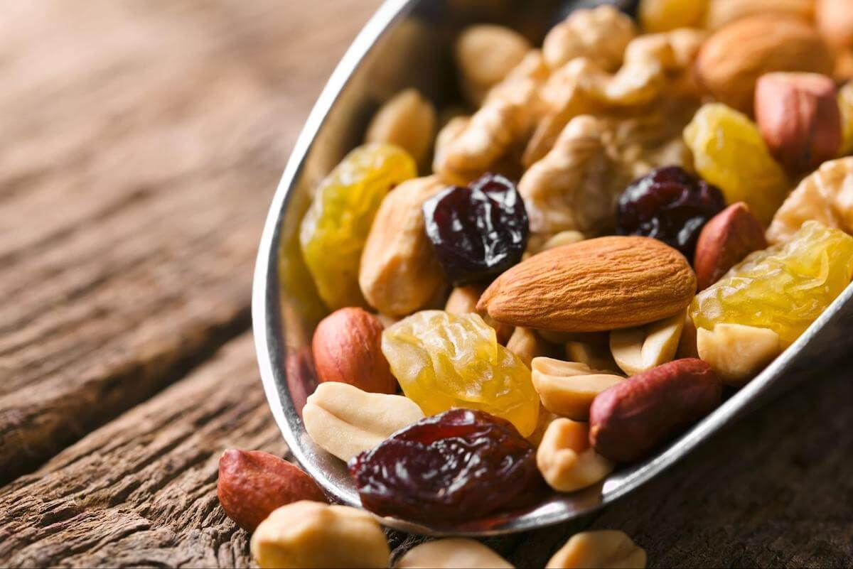 High blood sugar at night: A bowl of nuts and dried fruit