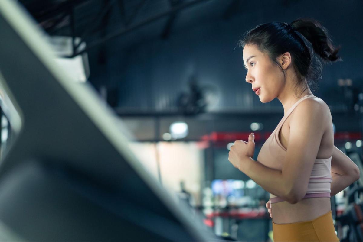 metabolic health: woman exercising