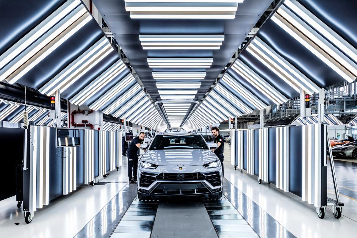 Lamborghini, l'essere umano rimane ancora il protagonista