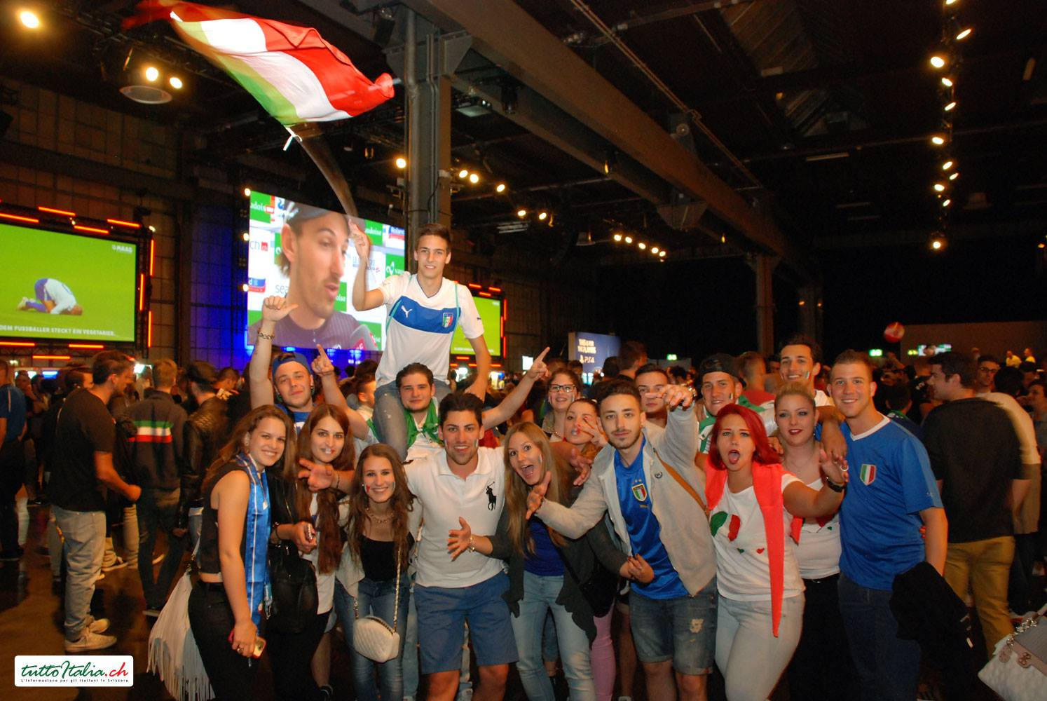 Inghilterra - Italia HiltlPublic Viewing @ Maag Halle Zurigo 2014 tuttoitalia