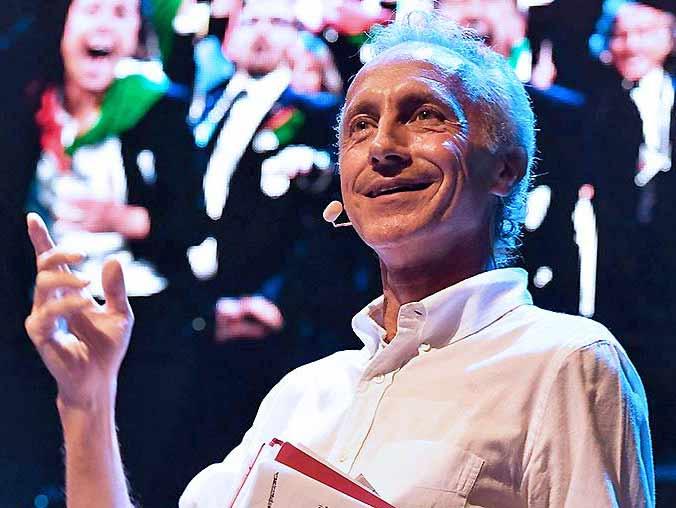 Marco Travaglio in «Ball Fiction» a Lugano