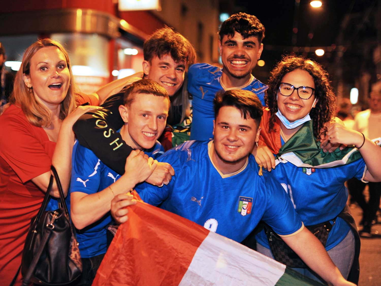 Foto di Euro 2020 Belgio-Italia Langstrasse Zurigo