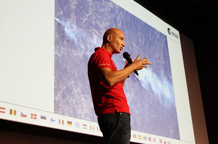 «Gli Effetti del riscaldamento globale sono visibili» L'austronauta italiano Luca Parmitano sul Ghiacciaio Gorner nel Vallese