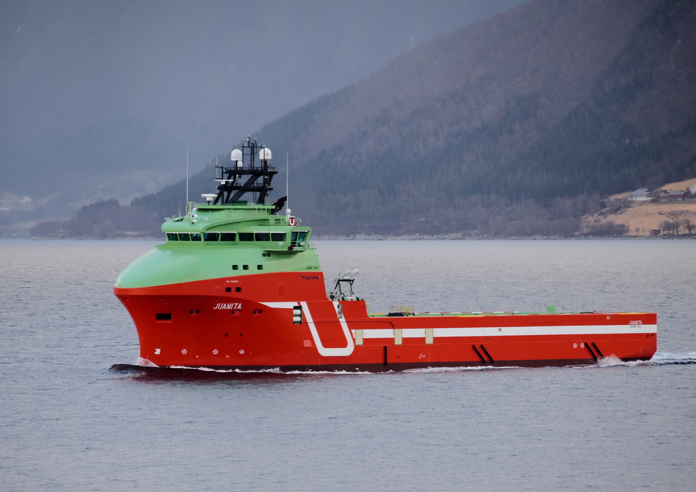 Juanita PSV equipped with Brunvoll CRP Contra Rotating Propeller System photo Helge Brandal