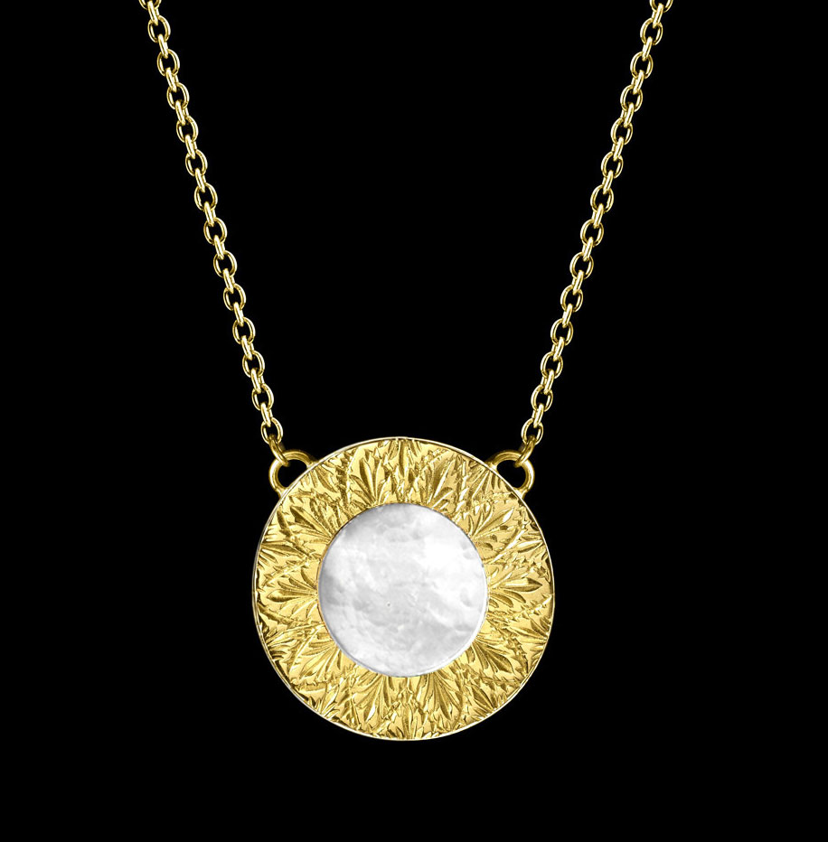 mother of pearl necklace big