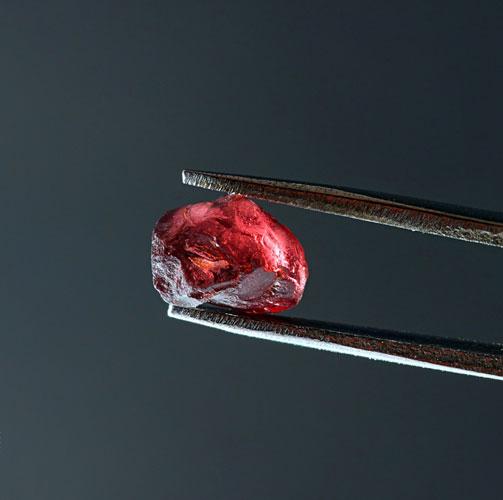 garnet raw mineral gemstone detail