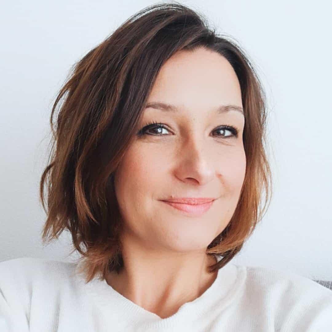 Je suis Amélie, coach en épanouissement professionnel et génératrice de sens et de bien-être au travail