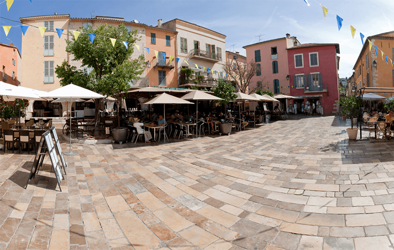 TX Markets location Valbonne. A picture of Place des Arcades in Valbonne