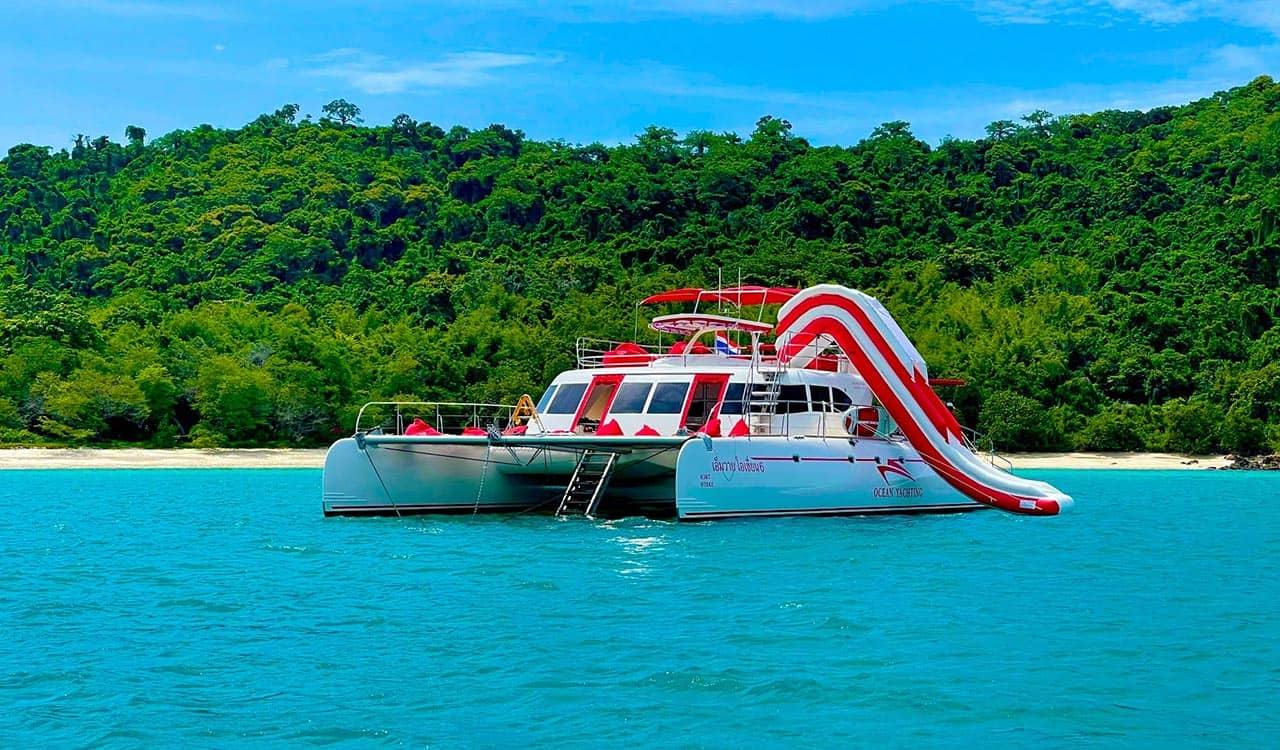 Fun catamaran in Pattaya