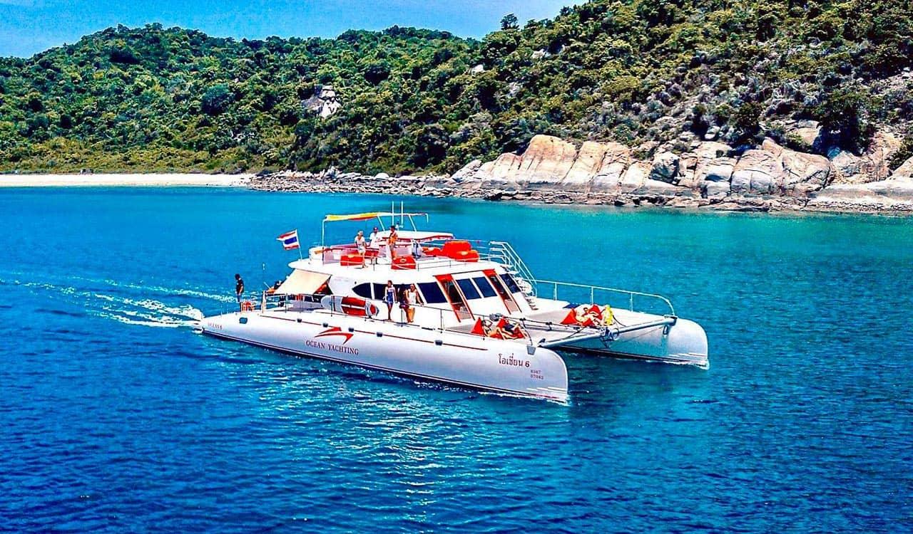 Bit Catamaran in Pattaya sea