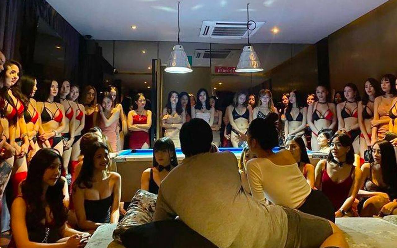 曼谷The Pimp 夜总会与Agogo酒吧