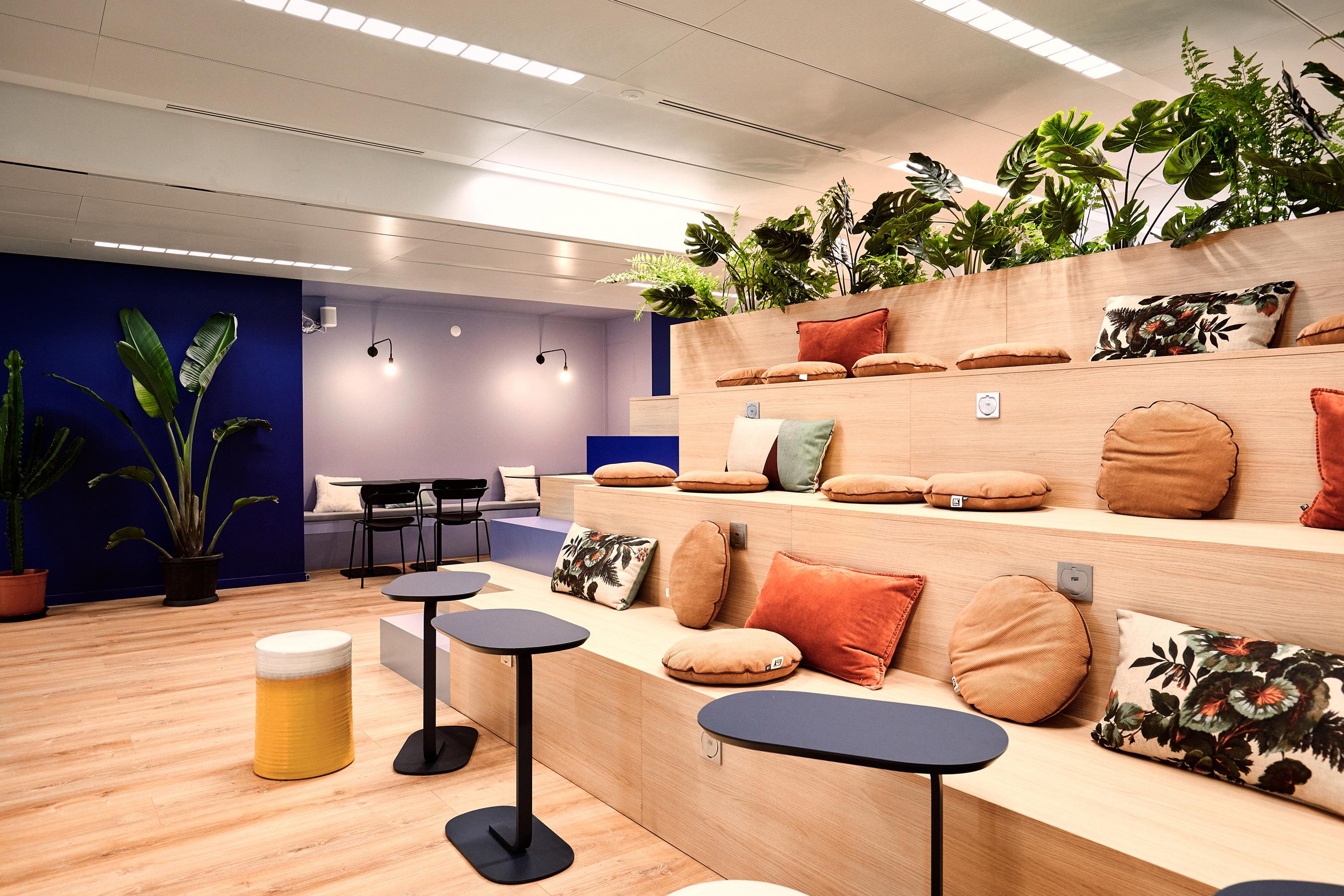 Aménagement espace bureau - salle de conférence