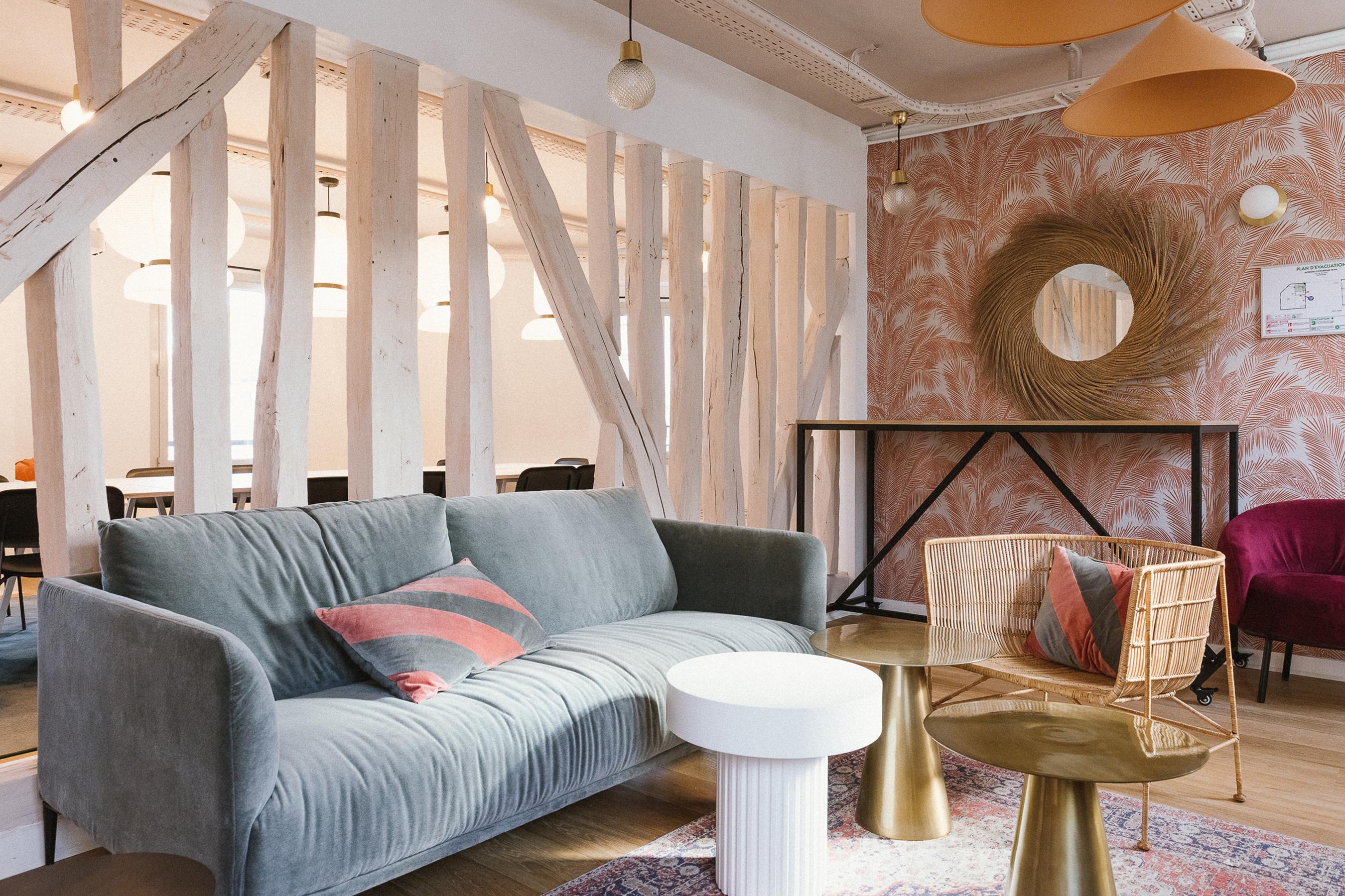 Aménagement espace bureau - espace canapé