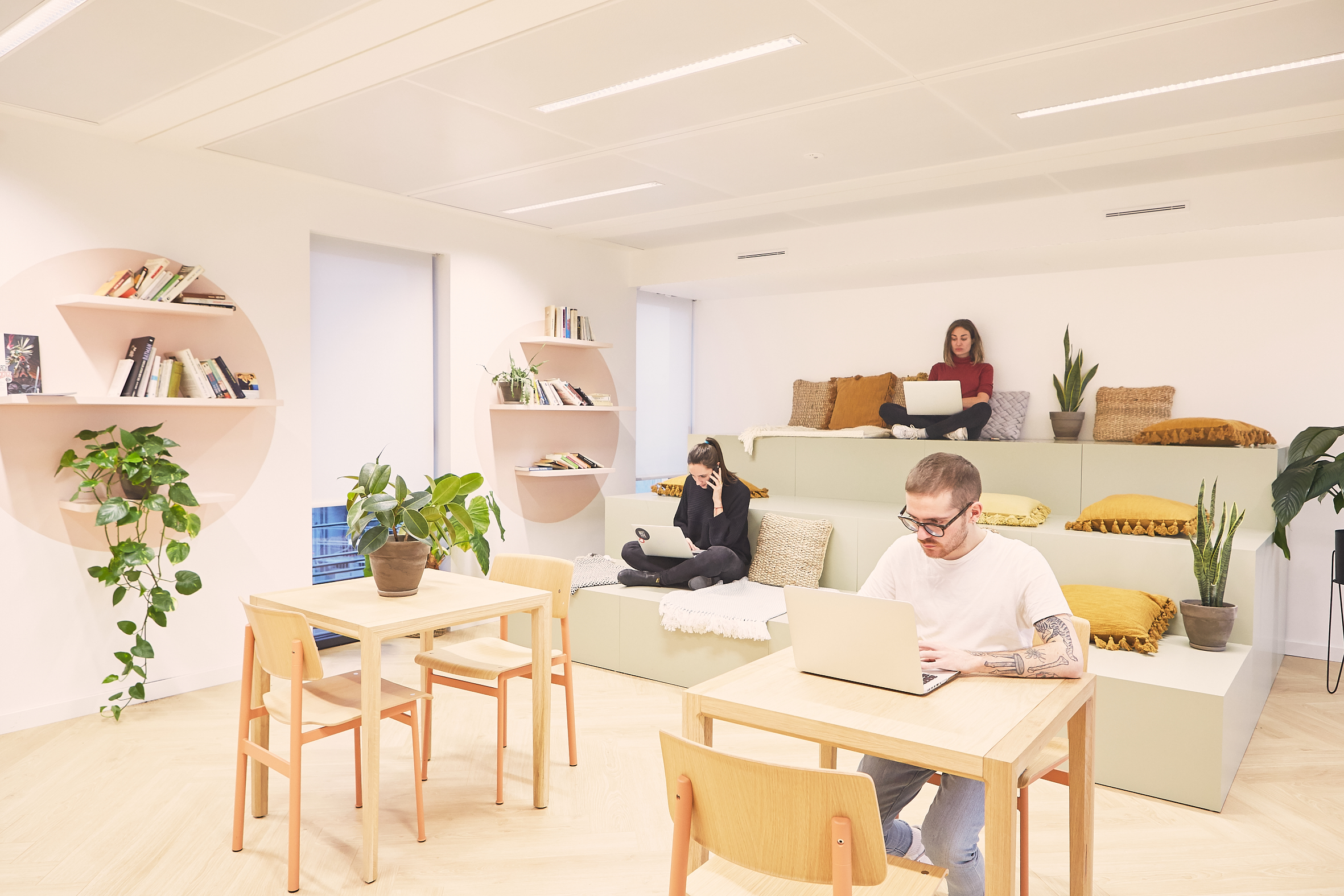coworking clichy - un open space