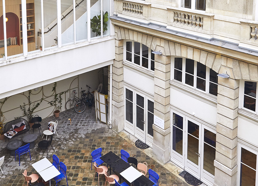 coworking Champs-Elysees - terrasse morning artois