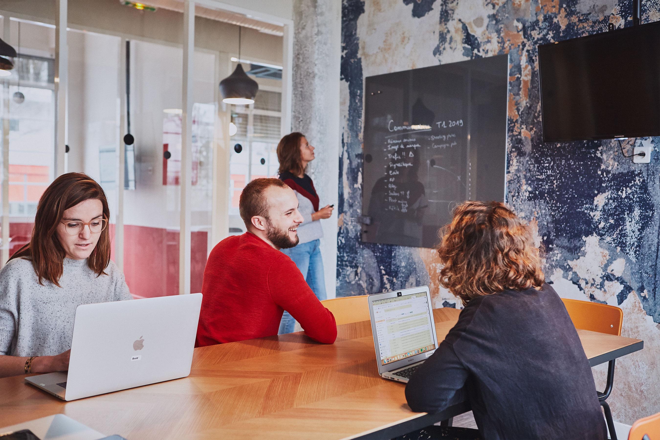 Coworking paris 18 - salle de réunion