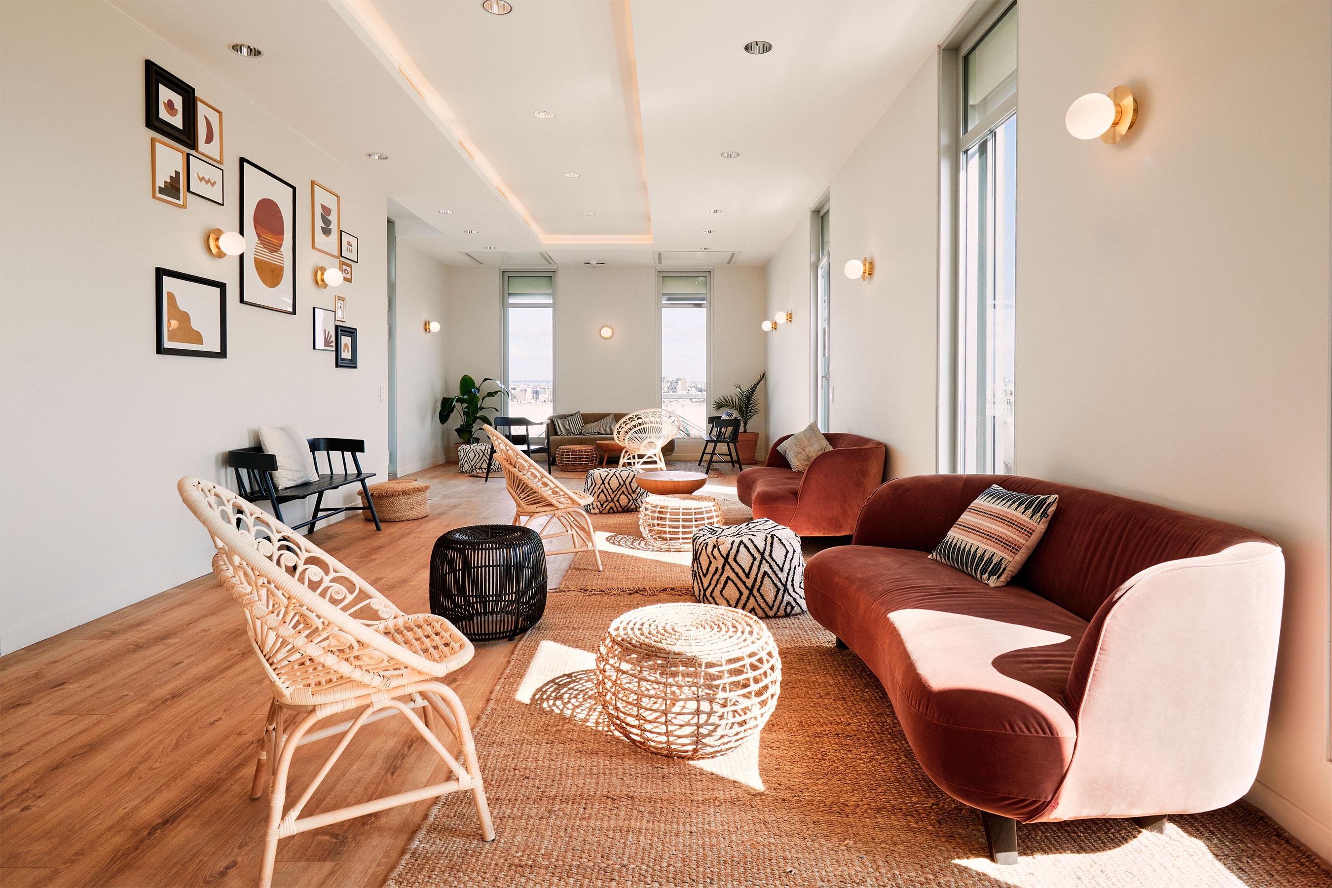 coworking levallois - salle informel avec canapé