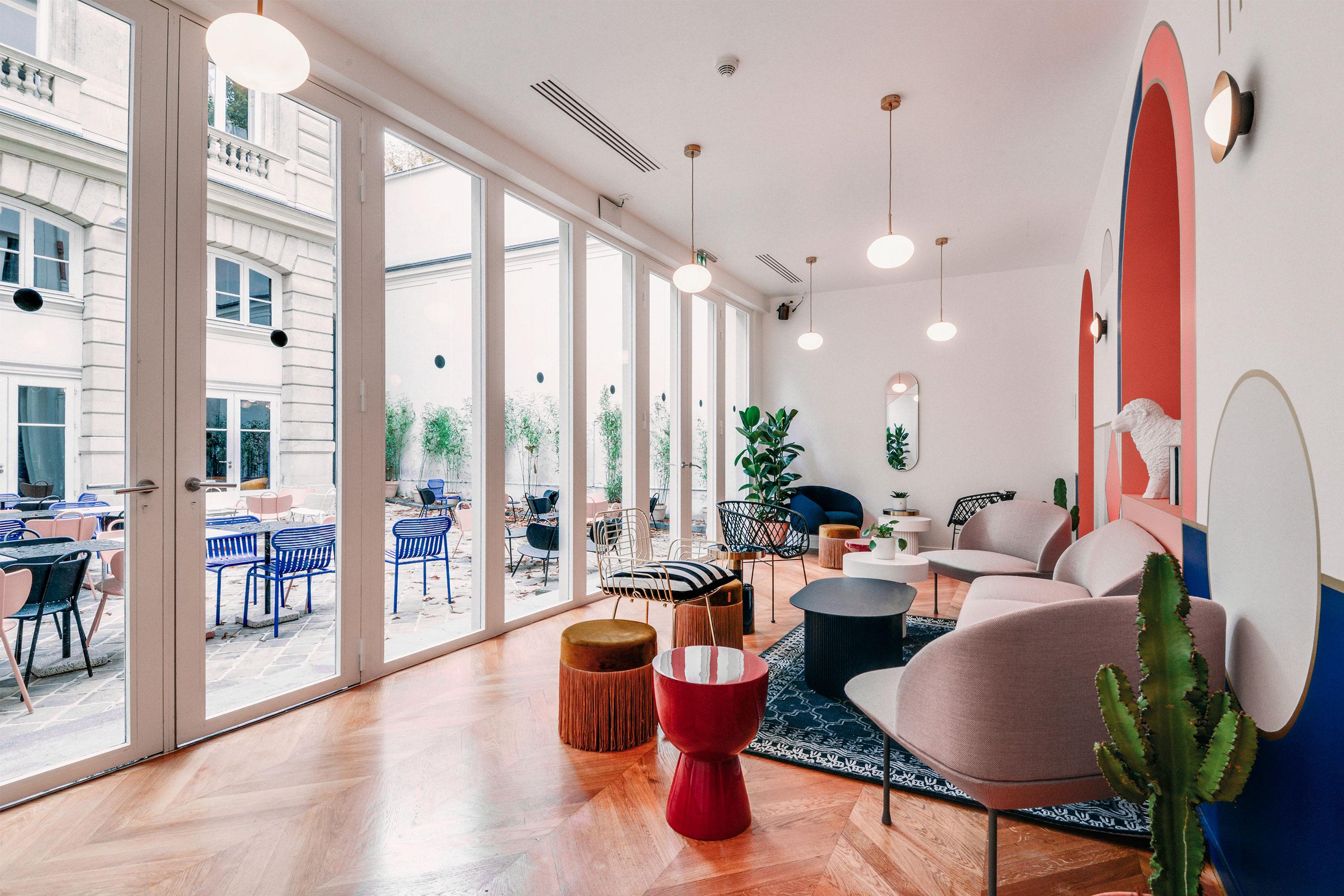 coworking Champs-Elysees - Espace commun et cour intérieur