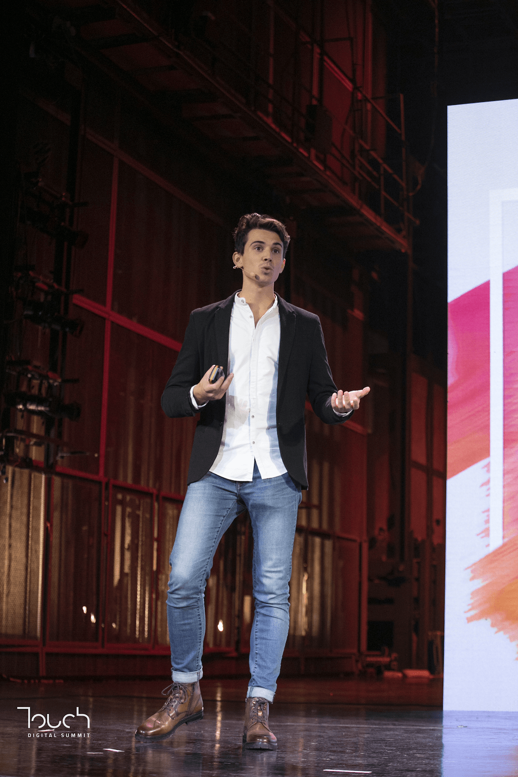Guillaume on the stage