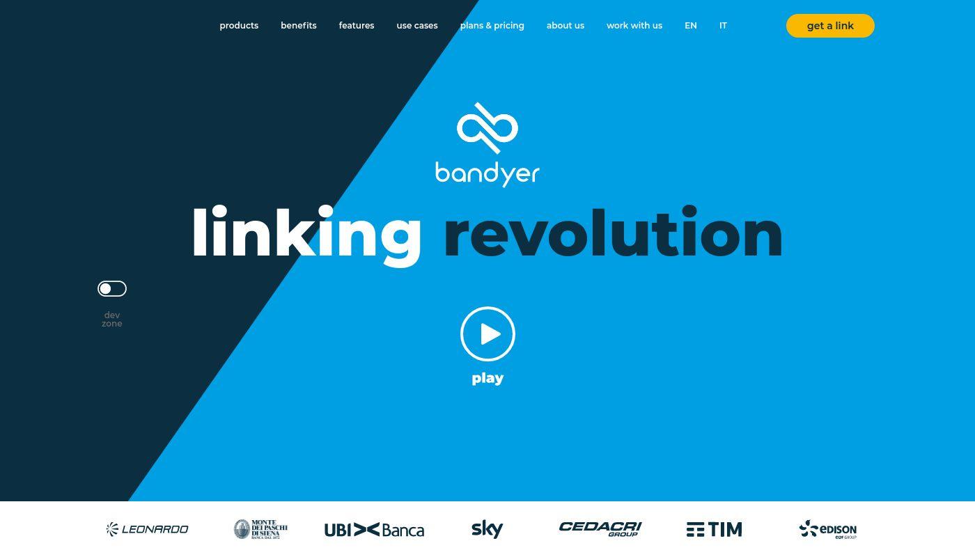83) Bandyer