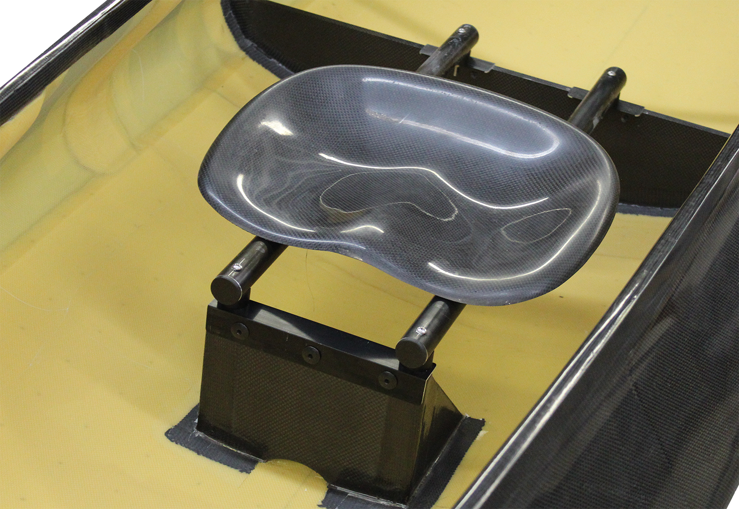 Seat Mounted in Bulkheads for kneeling