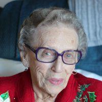 Gladys E. Trott - Kamping