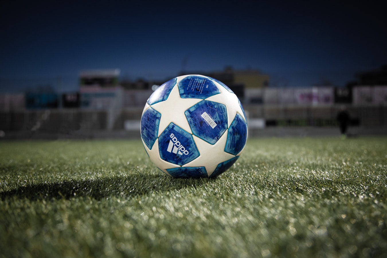 AI Guided Selling Software and the Champions League: What B2B and SaaS Sales Have in Common with Liverpool FC