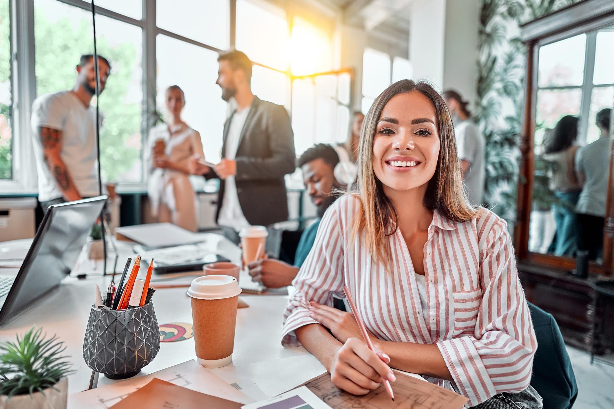¿Cuál es el impacto del compromiso de los empleados en la productividad?