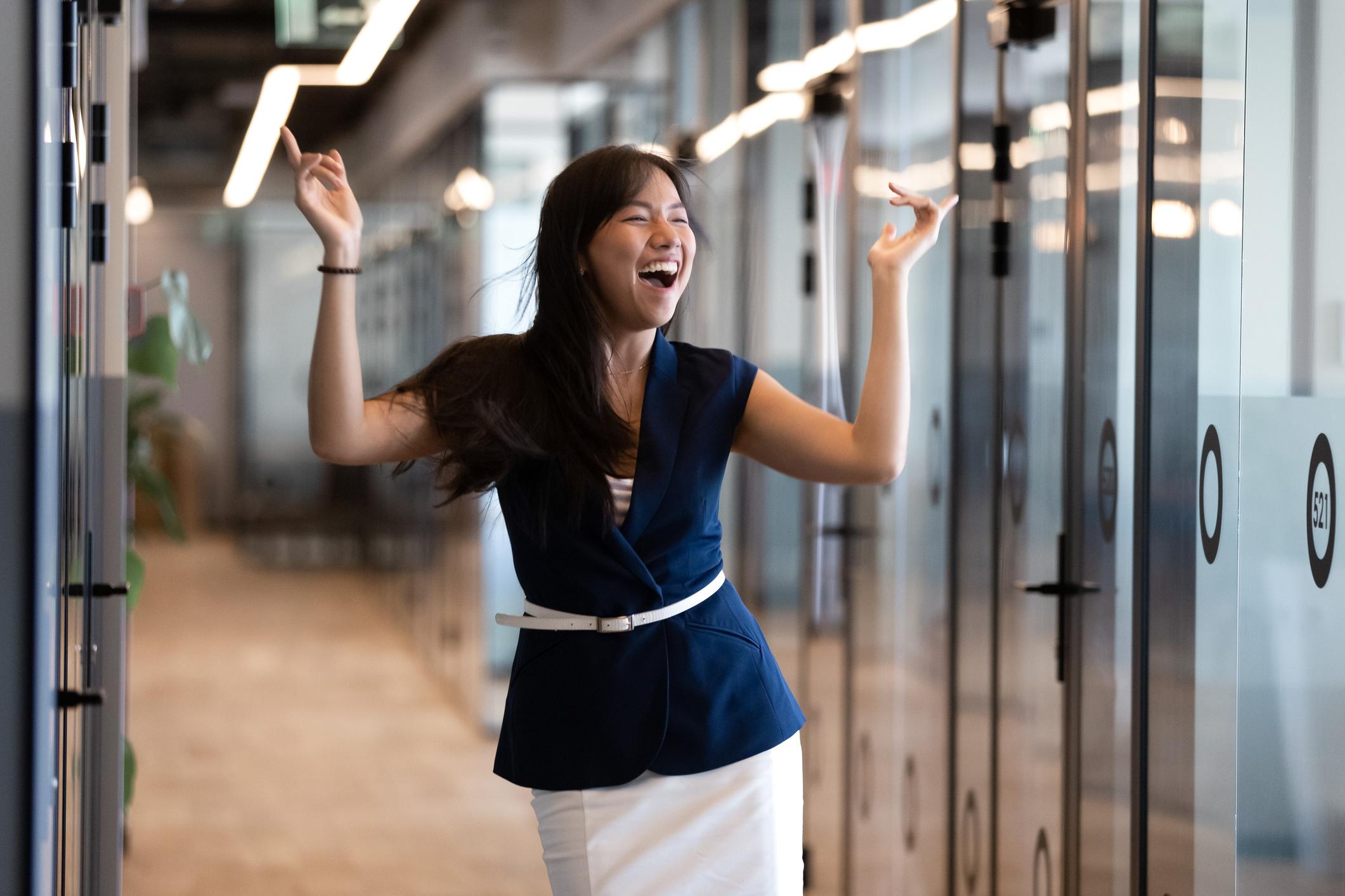 Cómo hacer de la alegría una prioridad en el trabajo