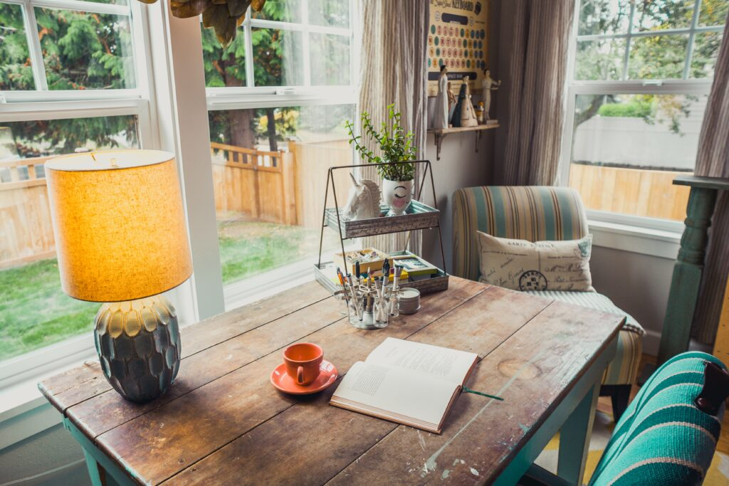 HOME OFFICE TIPS: MANAGING WORK AND LEISURE