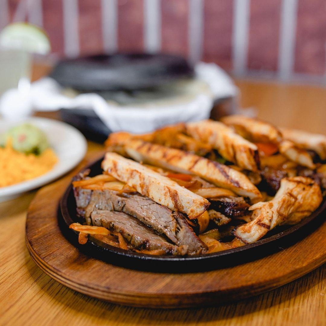 Masfajitas-College Station Tex-Mex and Mexican Restaurant Combo Fajitas