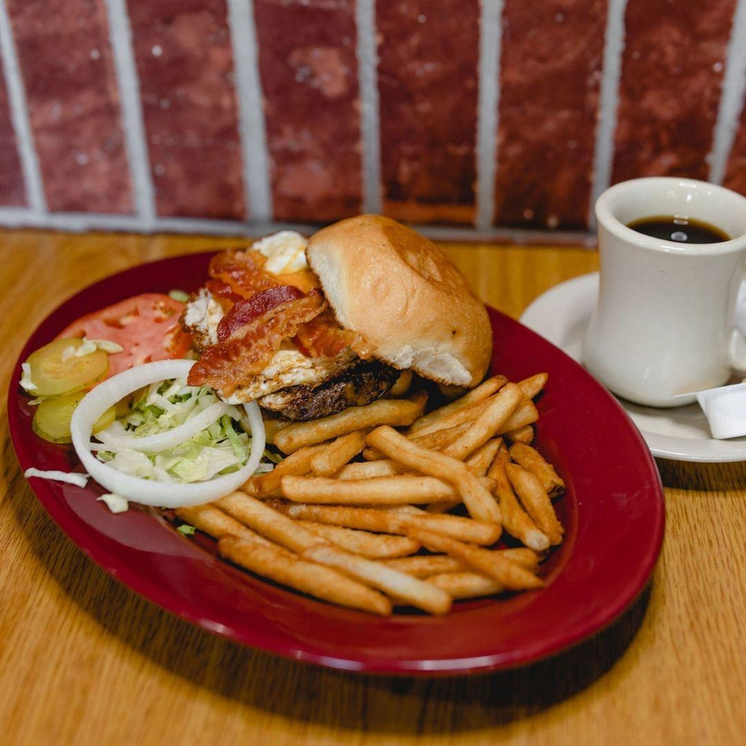 Masfajitas Tex-Mex and Mexican Hangover Burger